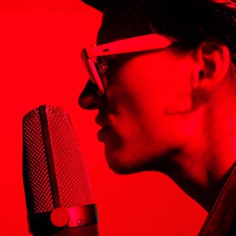 http://www.aanitaivas.com/wp-content/uploads/2013/08/live-miksaus-aanentoisto.jpg